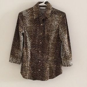 New York and company leopard print button up